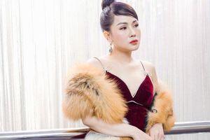 MC Thùy Dương gợi cảm 'đọ sắc' cùng ca sĩ Maya