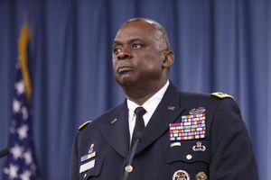 Bộ trưởng Quốc phòng da đen đầu tiên trong lịch sử Mỹ là ai?