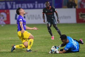 Hà Nội FC thua trận thứ hai liên tiếp, tiếp tục đứng cuối bảng xếp hạng