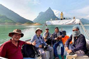 Tuyên Quang:'Săn' ảnh vùng lòng hồ