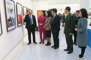 Triển lãm ảnh, tư liệu 'Đảng Cộng sản Việt Nam - Những chặng đường lịch sử'