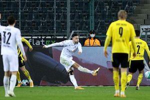 Kết quả Bundesliga: Thua Monchengladbach, Dortmund rơi khỏi top 4
