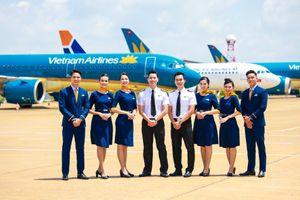Hơn 200 triệu đồng hành khách bỏ quên được tiếp viên hàng không trả lại