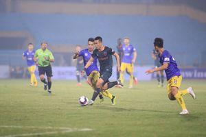 Thua 2 trận liên tiếp, HLV Hà Nội FC lo không vào được nhóm đua vô địch