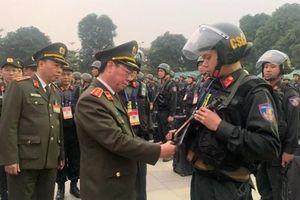 Thứ trưởng Bộ Công an kiểm tra công tác đảm bảo an ninh Đại hội XIII