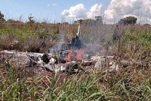 Chủ tịch và 4 cầu thủ tử nạn trong vụ rơi máy bay