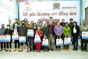 Hiệp hội Nước mắm Việt Nam tặng quà Tết bà con tại Quảng Ngãi