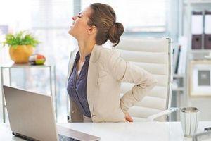 7 thói quen hàng ngày gây họa cho xương khớp