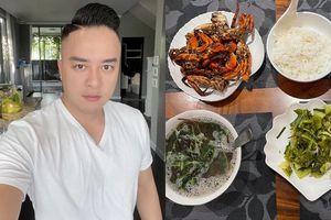 Vào bếp trổ tài nấu ăn, Cao Thái Sơn nhận 'cơn mưa' lời khen của dân mạng