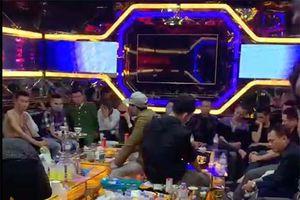 Bắt quả tang 30 'nam thanh nữ tú' sử dụng ma túy trong quán karaoke