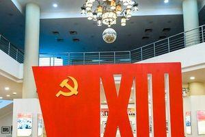 Triển lãm 'Đảng ta thật là vĩ đại' chào mừng Đại hội XIII của Đảng