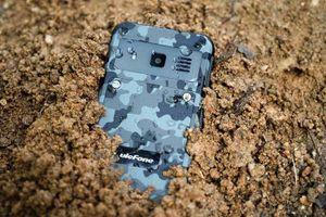 Điện thoại 'nồi đồng cối đá', pin chờ 19 ngày, giá 1,16 triệu đồng