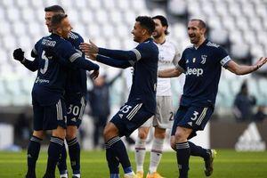 Ronaldo tịt ngòi, Juventus vẫn thắng cách biệt để đeo bám Milan