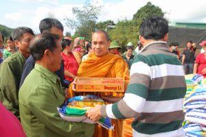 Đắk Nông: Tịnh xá Ngọc Đạt trao 200 phần quà tại xã Đăk R'măng