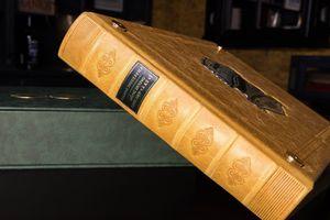 Sách 'Đông Dương xinh đẹp và kỳ vĩ' được mua với giá 130 triệu đồng