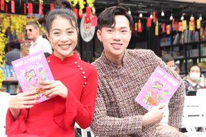 Tặng quà Tết bằng sách - tìm lại nét đẹp văn hóa