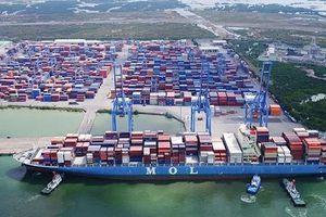 Việt Nam có cơ hội vượt Singapore về kinh doanh cảng biển?