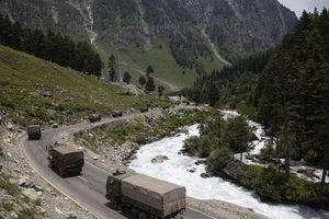 Binh sĩ Ấn Độ - Trung Quốc 'thượng cẳng chân, hạ cẳng tay' ở biên giới