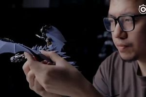 Kĩ sư tạo ra con rồng tuyệt đẹp từ linh kiện điện thoại