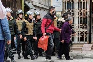 'Bà trùm' 75 tuổi cầm đầu 'bong ke' ma túy ở Thái Bình bị bắt tạm giam