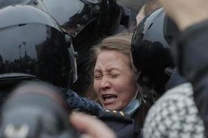 Biểu tình ủng hộ ông Navalny: Pháp lên án Nga, đảng lớn nhất EP ủng hộ trừng phạt Tổng thống Putin