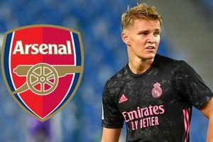 Chuyển nhượng cầu thủ hôm nay 25/1: Arsenal mượn 'thần đồng' của Real Madrid; Jack Wilshere đồng cảm Mesut Ozil; Lingard sẽ rời Man Utd