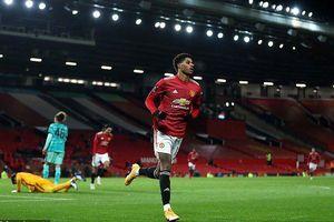 Ngược dòng thành công, MU loại Liverpool khỏi FA Cup