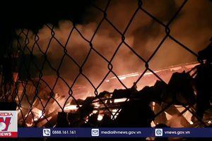 Bình Dương khống chế đám cháy tại công ty gỗ