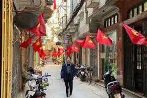 Thủ đô Hà Nội rợp sắc đỏ Quốc kỳ