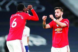 Đội bóng sẽ vô địch Ngoại Hạng Anh mùa này: 'Tại sao lại không phải Manchester United nhỉ?'