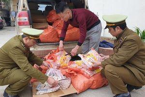 Gần 500kg xúc xích và chả cá nhập lậu bị thu giữ tại Lạng Sơn