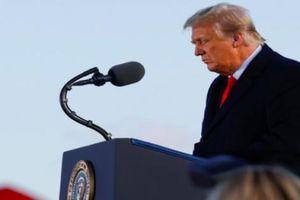 Cựu Tổng thống Trump có thể mất trắng khoản lương hưu hơn 5 tỷ đồng mỗi năm?