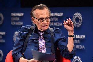 Huyền thoại Larry King qua đời sau thời gian chống chọi với bệnh COVID-19
