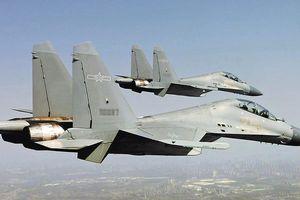 Trung Quốc điều máy bay sát Đài Loan để thử ông Biden