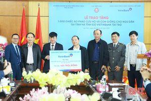VietinBank Việt Nam hỗ trợ ngư dân Hà Tĩnh 420 triệu đồng