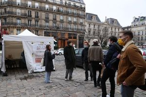 Số ca nhập viện tại Pháp tăng, Anh giúp các nước xác định các biến thể