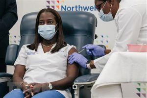 COVID-19: Mỹ đặt mục tiêu miễn dịch cộng đồng vào mùa Hè 2021