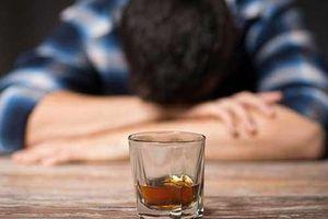 Mách bạn cách giải rượu ngày Tết đơn giản, nhanh chóng và mẹo uống rượu 'ngàn ly' không say