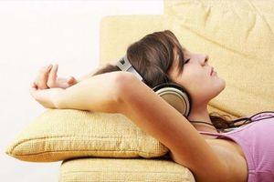 Đeo tai nghe khi ngủ cũng có nguy cơ 'mất mạng'