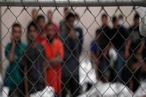 Thẩm phán Texas phong tỏa lệnh ngưng trục xuất của ông Biden
