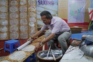 Lễ hội Văn hóa - Du lịch Nghề làm Bánh tráng phơi sương