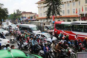 Đề thi hóc búa chống ùn tắc giao thông ở Đà Lạt, giải nhất 1 tỷ đồng