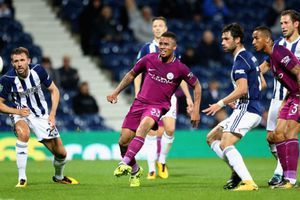 West Brom 0-0 Man City: Foden sút trúng cột dọc (H1)