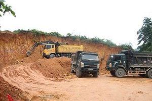 Hà Tĩnh: Lợi dụng quản lý lỏng lẻo, 'tuồn' bán đất, cát sỏi ra ngoài nhằm trục lợi?