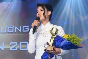 Trang Trần nhận giải thưởng 'Chim Én 2020'