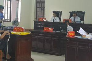 Bị cáo Nguyễn Khắc Thủy trong vụ án dâm ô với trẻ em đã chết