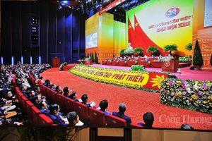 Đại biểu thảo luận sôi nổi tại Diễn đàn Đại hội Đảng