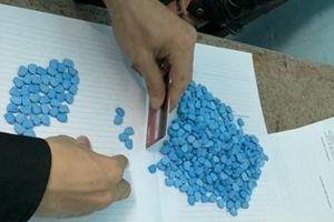 Bắt giữ đối tượng mua bán 800 viên ma túy tổng hợp