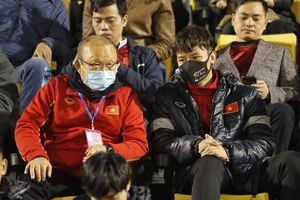 Thầy trò Park Hang-seo lại gặp khó vì dịch COVID-19