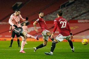 Man United thua sốc đội bét bảng